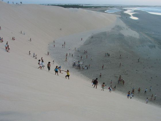 Hiking the sand dunes in Jericoacoara: photo credit Marcelino Martins