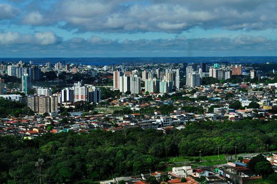 Aerial view of Manaus: photo credit Neil Palmer (CIAT)